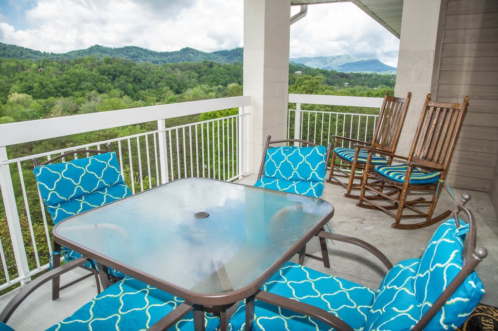 Photo of a Pigeon Forge Condo named Whispering Pines 554 - This is the fifteenth photo in the set.