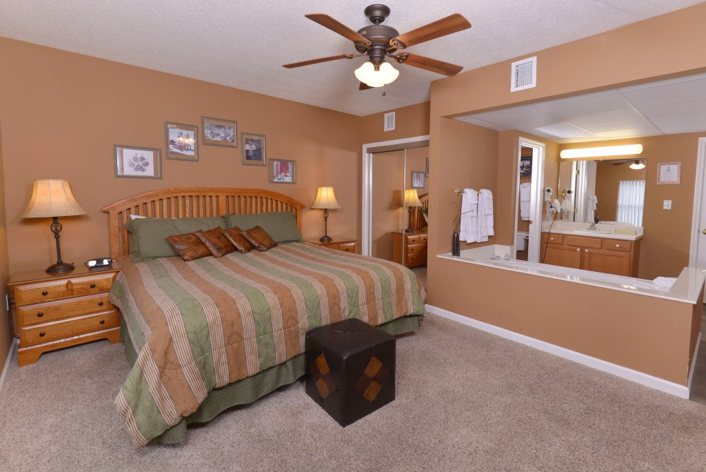 Photo of a Pigeon Forge Condo named Whispering Pines 613 - This is the seventeenth photo in the set.