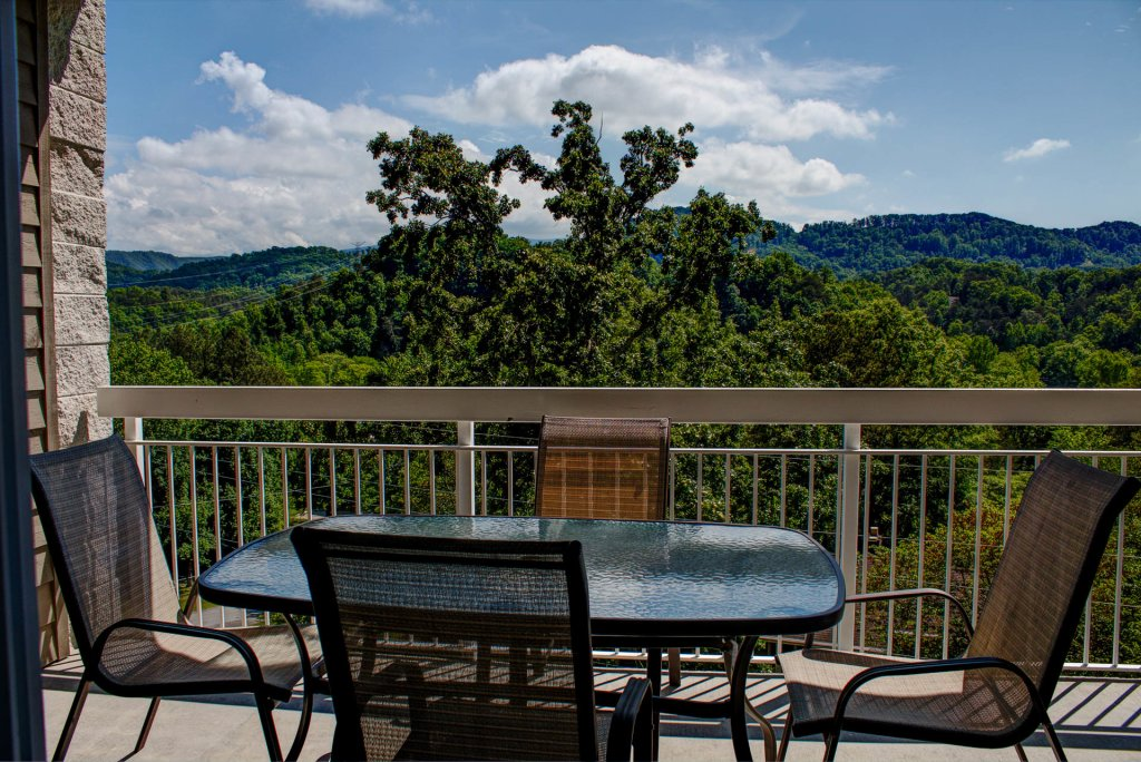 Photo of a Pigeon Forge Condo named Whispering Pines 534 - This is the twenty-sixth photo in the set.