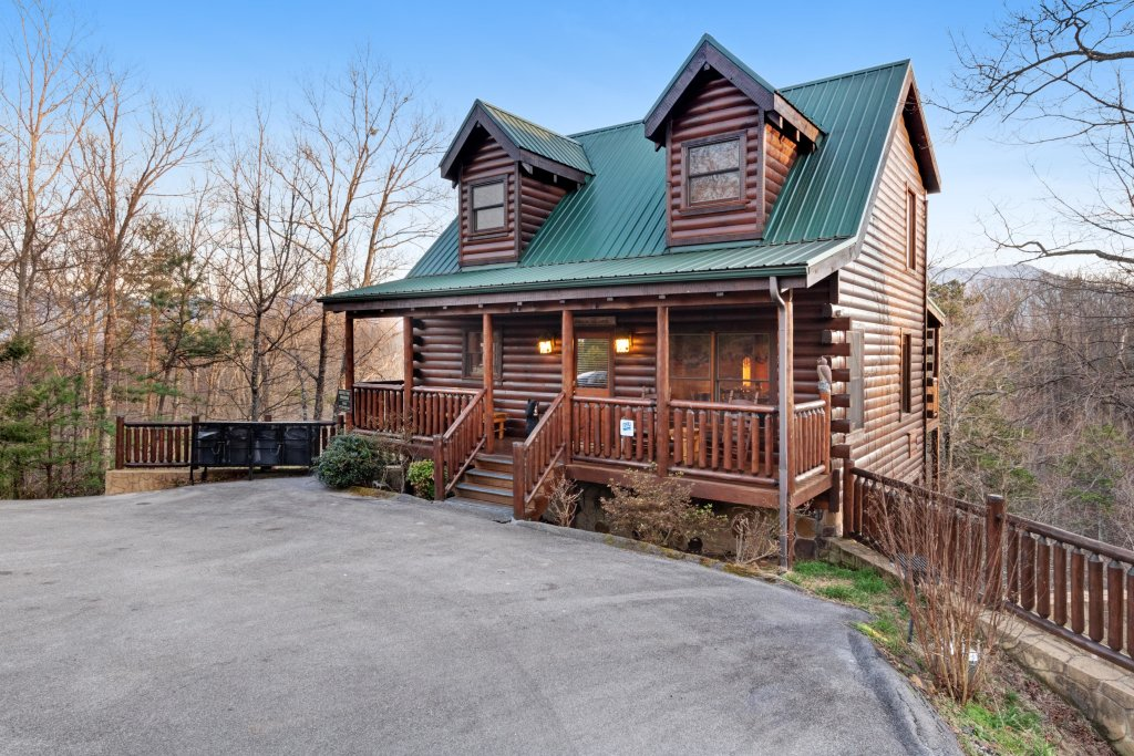 Photo of a Gatlinburg Cabin named Above The Smokies - This is the thirteenth photo in the set.