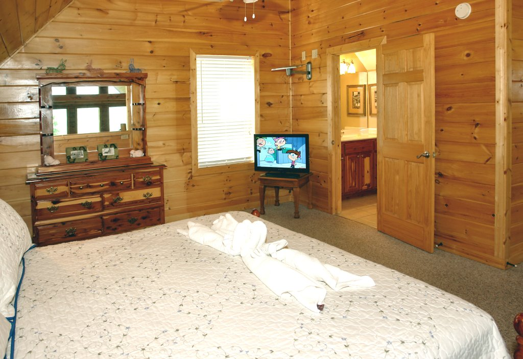Photo of a Gatlinburg Cabin named Redneck Ritz #724 - This is the seventh photo in the set.
