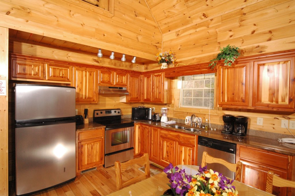 Photo of a Gatlinburg Cabin named Redneck Ritz #724 - This is the ninth photo in the set.