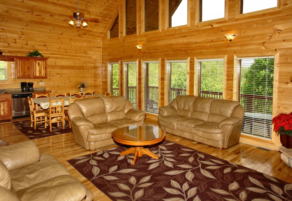 Photo of a Gatlinburg Cabin named Redneck Ritz #724 - This is the eighteenth photo in the set.