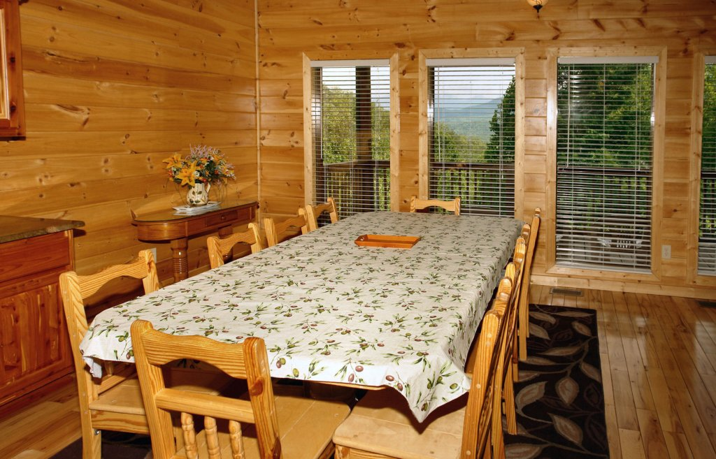 Photo of a Gatlinburg Cabin named Redneck Ritz #724 - This is the twenty-fourth photo in the set.