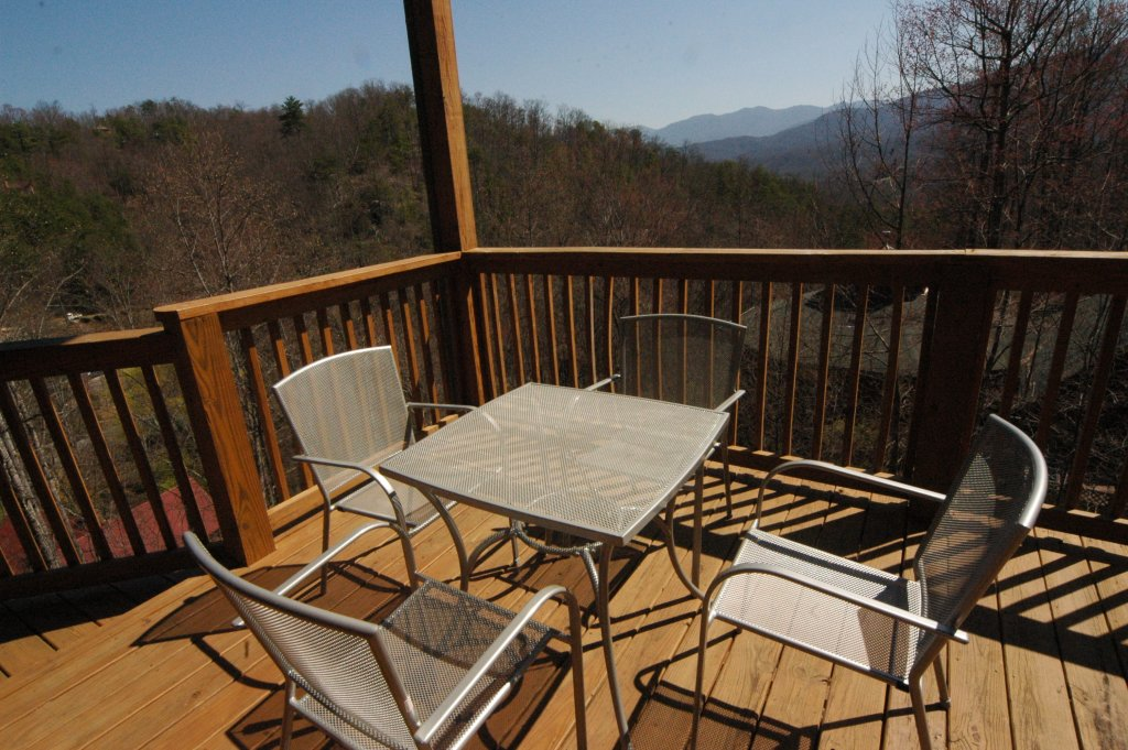 Photo of a Gatlinburg Cabin named Redneck Ritz #724 - This is the thirty-seventh photo in the set.