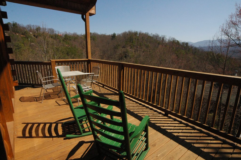 Photo of a Gatlinburg Cabin named Redneck Ritz #724 - This is the thirty-eighth photo in the set.