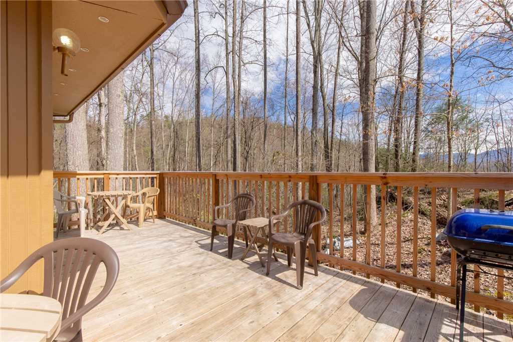 Photo of a Gatlinburg Cabin named Puppies Hollow - This is the sixteenth photo in the set.