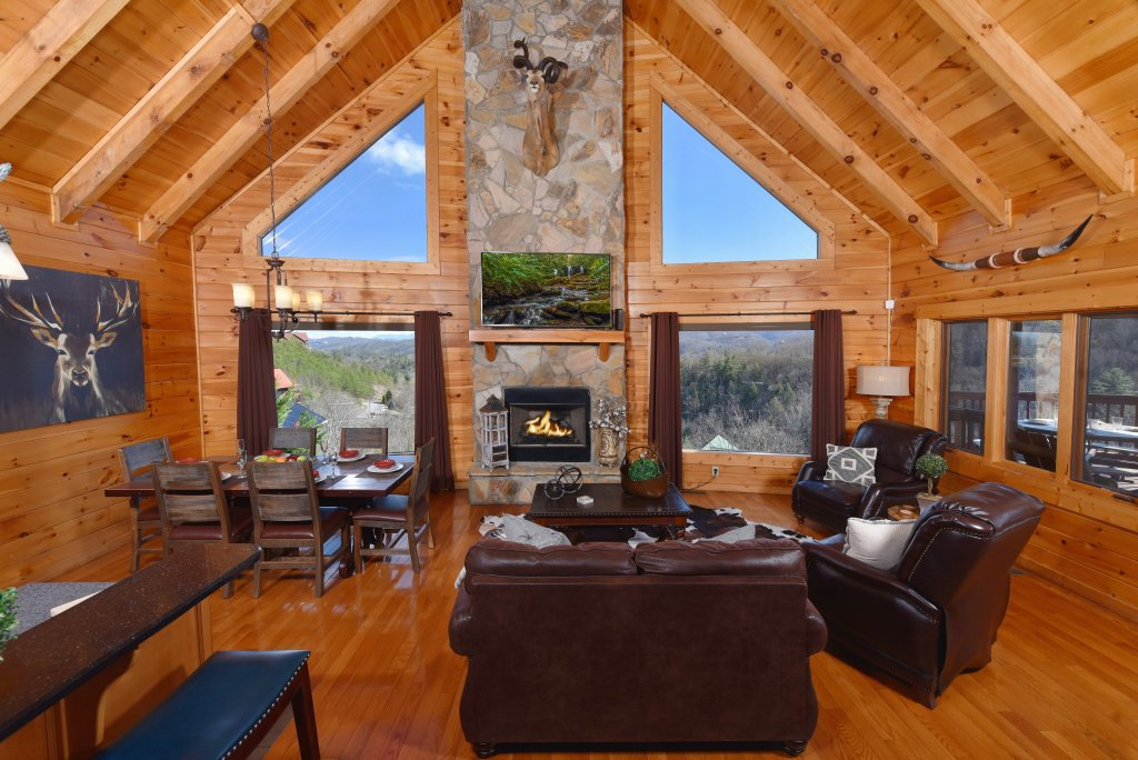 Photo of a Pigeon Forge Cabin named Mountain Splendor - This is the eighth photo in the set.