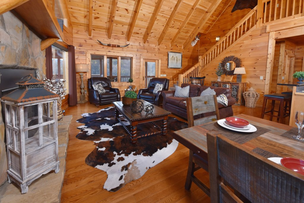 Photo of a Pigeon Forge Cabin named Mountain Splendor - This is the ninth photo in the set.