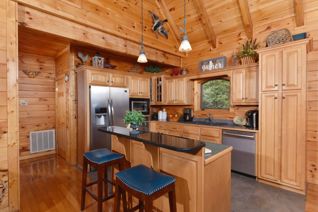 Photo of a Sevierville Cabin named Mountain Splendor - This is the twenty-first photo in the set.