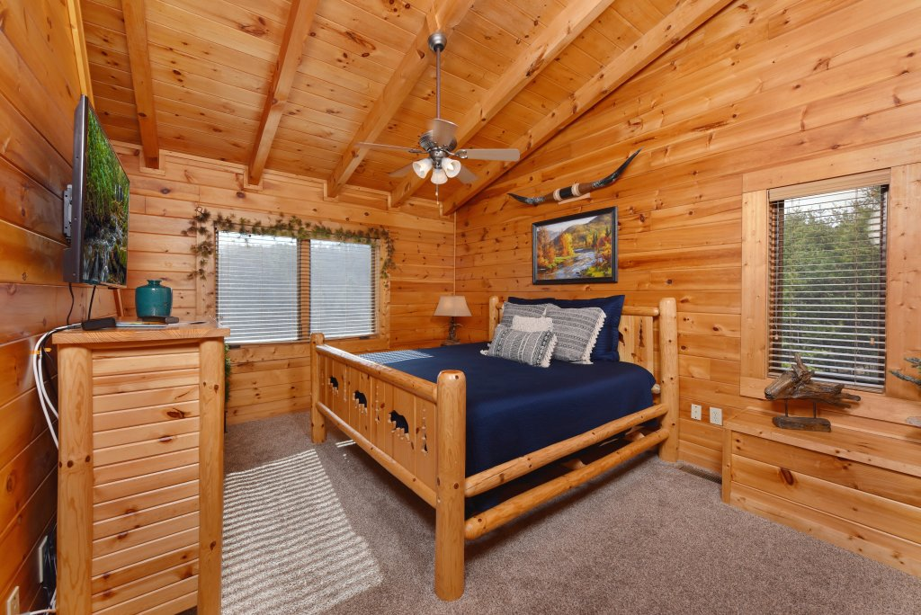 Photo of a Sevierville Cabin named Mountain Splendor - This is the thirty-third photo in the set.