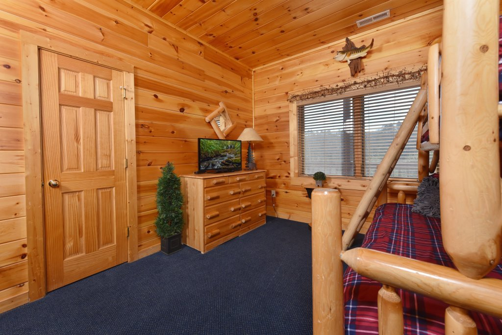 Photo of a Pigeon Forge Cabin named Mountain Splendor - This is the forty-sixth photo in the set.