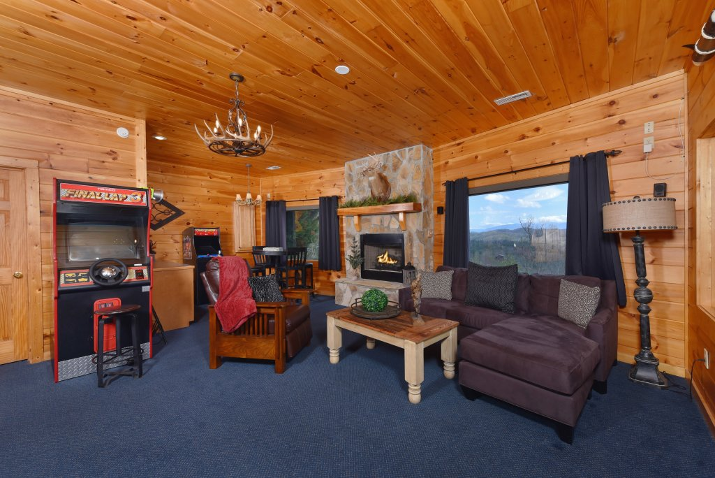 Photo of a Pigeon Forge Cabin named Mountain Splendor - This is the fifty-ninth photo in the set.