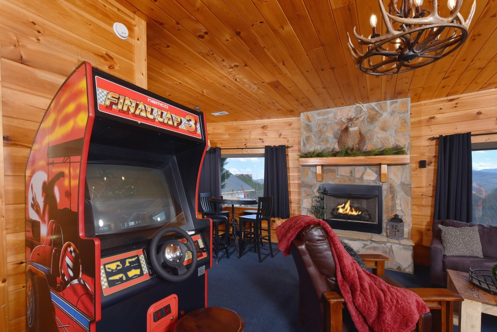 Photo of a Pigeon Forge Cabin named Mountain Splendor - This is the sixty-second photo in the set.