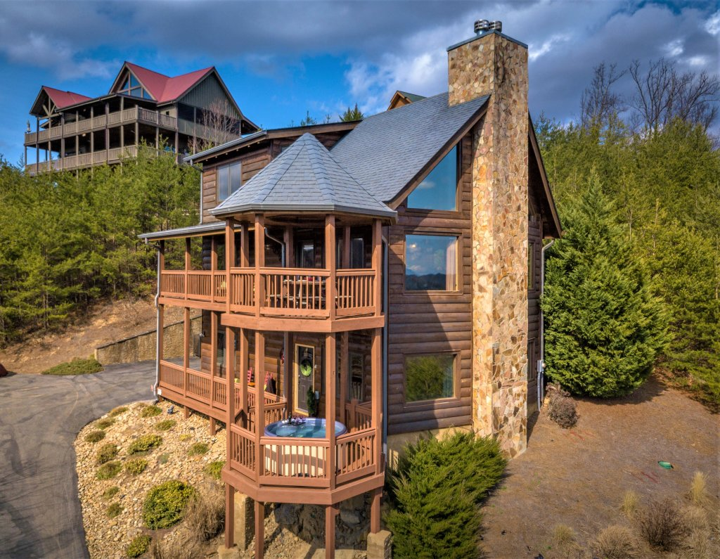 Photo of a Pigeon Forge Cabin named Mountain Splendor - This is the sixty-sixth photo in the set.
