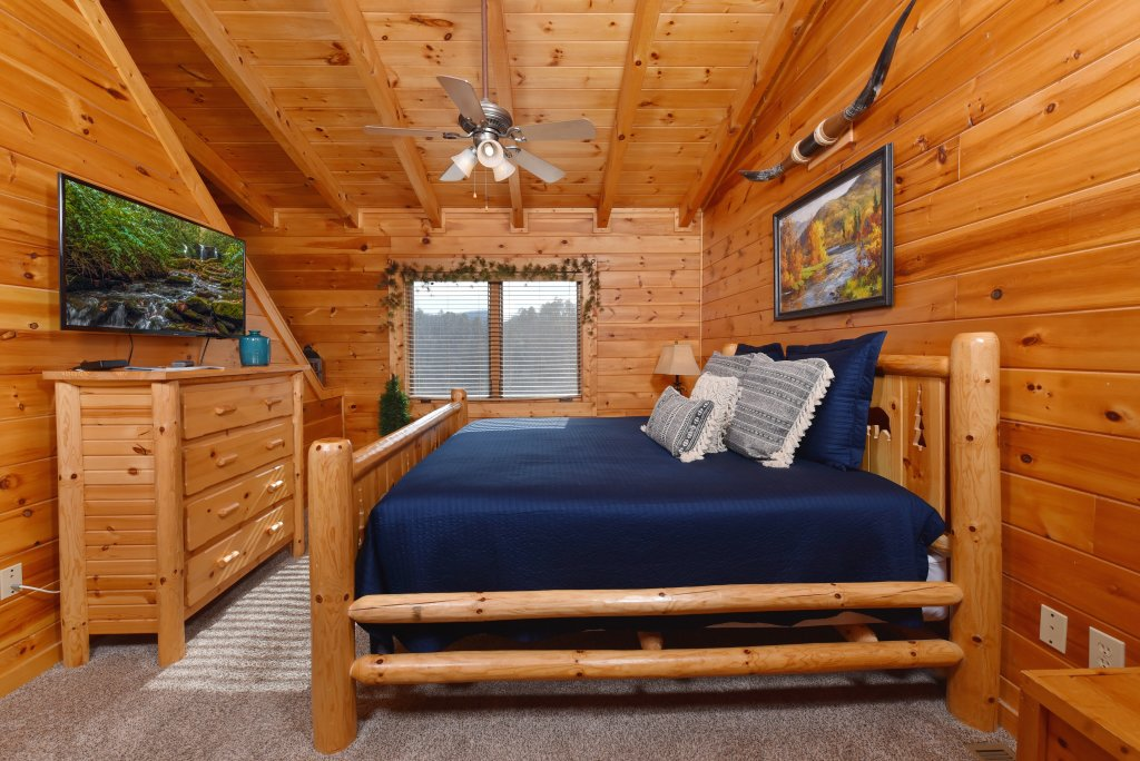 Photo of a Pigeon Forge Cabin named Mountain Splendor - This is the thirty-fourth photo in the set.