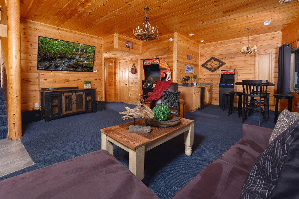 Photo of a Pigeon Forge Cabin named Mountain Splendor - This is the fifty-fourth photo in the set.