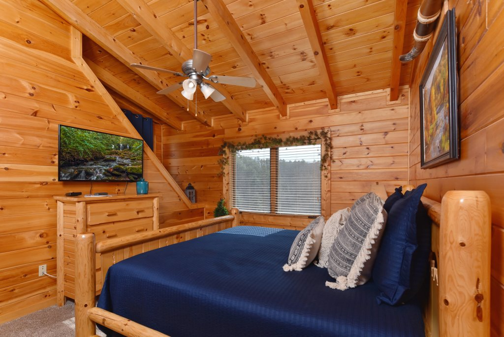 Photo of a Pigeon Forge Cabin named Mountain Splendor - This is the thirty-fifth photo in the set.