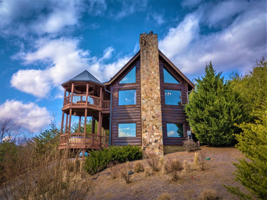 Photo of a Pigeon Forge Cabin named Mountain Splendor - This is the forty-ninth photo in the set.