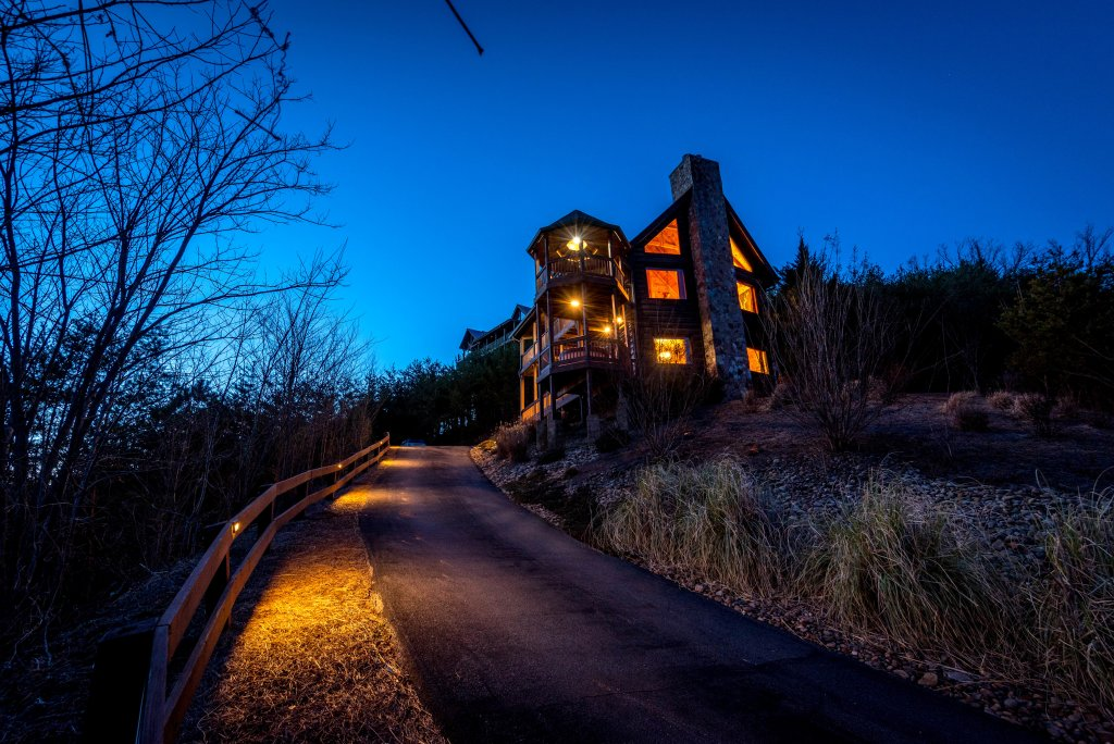 Photo of a Sevierville Cabin named Mountain Splendor - This is the seventieth photo in the set.