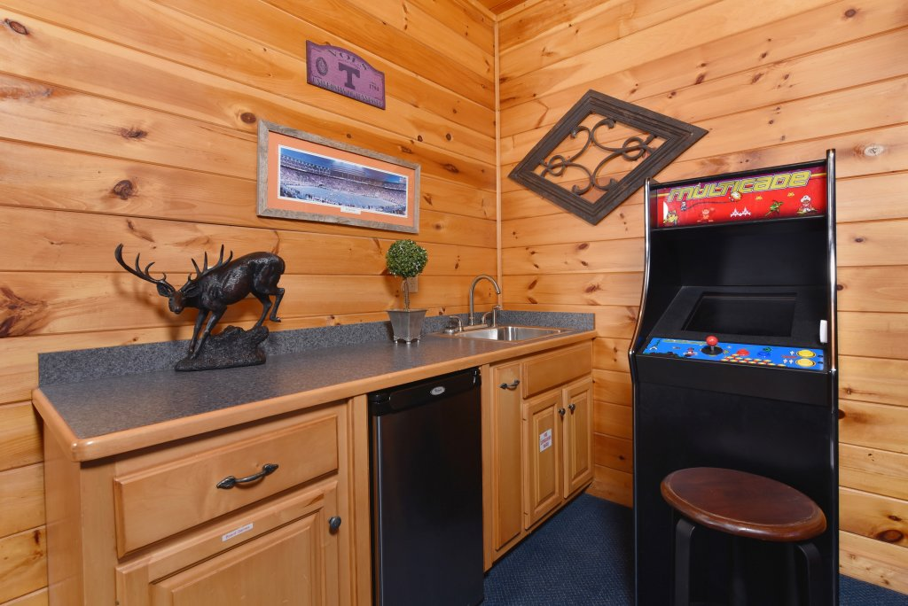 Photo of a Pigeon Forge Cabin named Mountain Splendor - This is the fifty-sixth photo in the set.