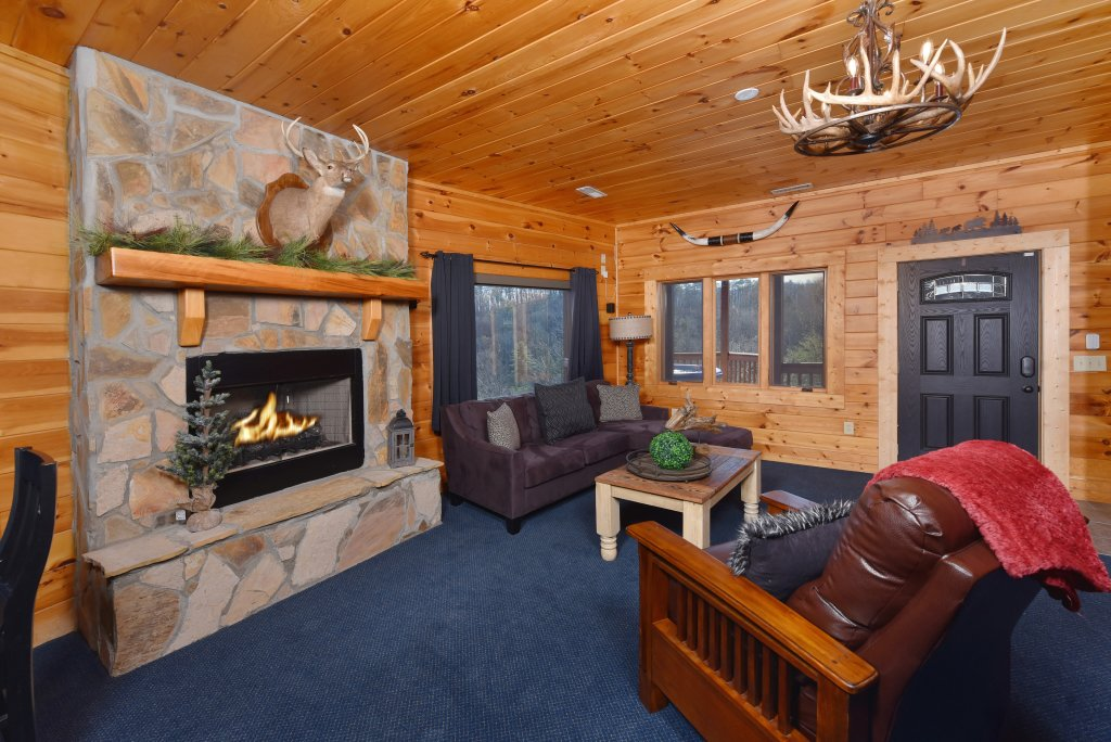 Photo of a Pigeon Forge Cabin named Mountain Splendor - This is the fifty-second photo in the set.