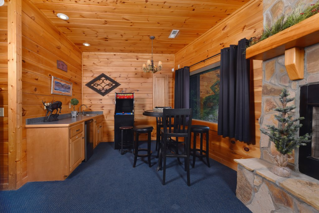 Photo of a Pigeon Forge Cabin named Mountain Splendor - This is the fifty-fifth photo in the set.