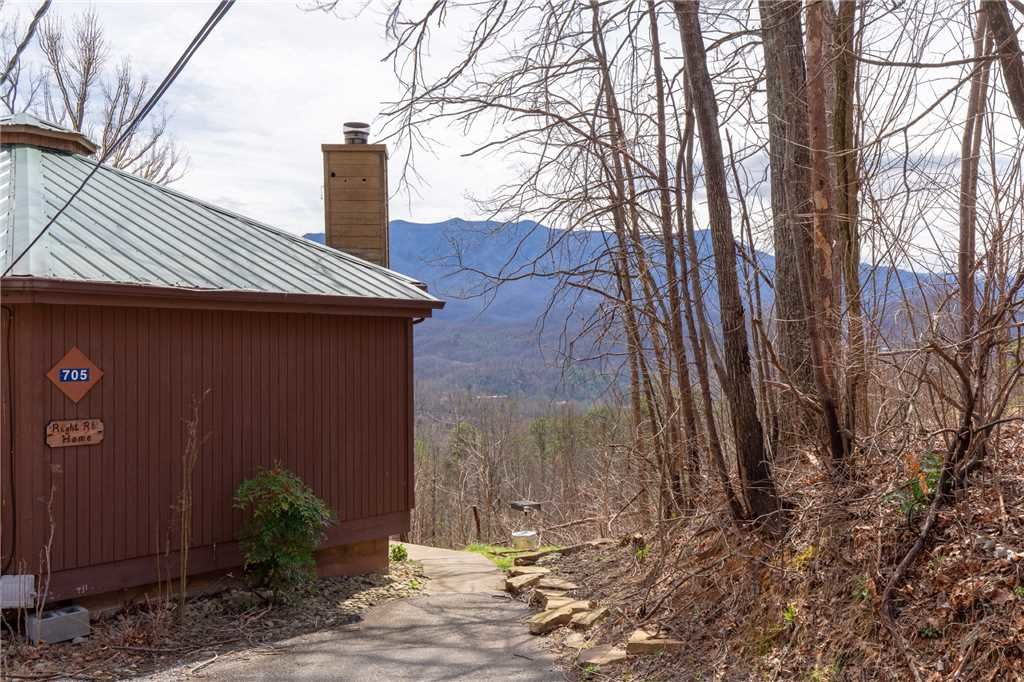 Photo of a Gatlinburg Cabin named Right At Home - This is the twenty-first photo in the set.