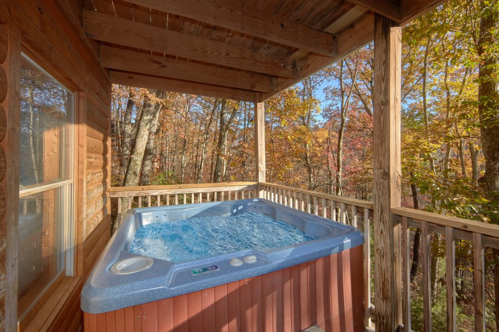 Photo of a Sevierville Cabin named Big Pine Lodge - This is the third photo in the set.