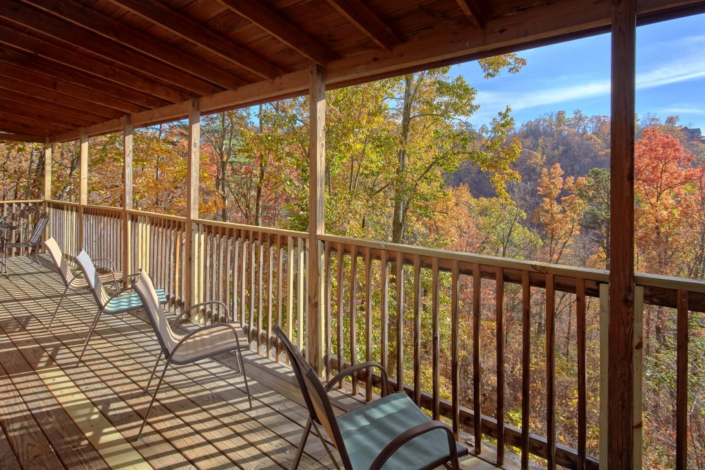 Photo of a Sevierville Cabin named Big Pine Lodge - This is the fifth photo in the set.