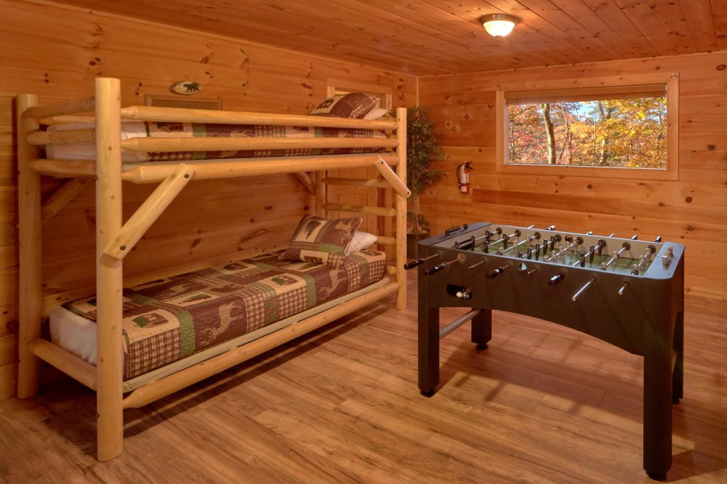 Photo of a Sevierville Cabin named Big Pine Lodge - This is the thirteenth photo in the set.