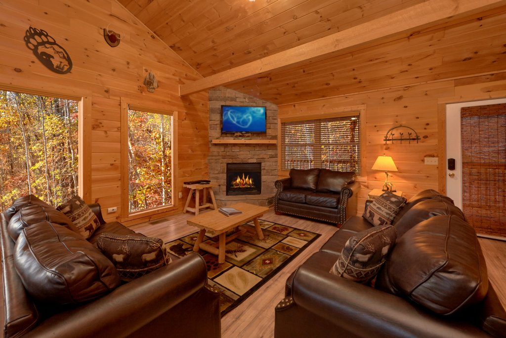 Photo of a Sevierville Cabin named Big Pine Lodge - This is the fifteenth photo in the set.
