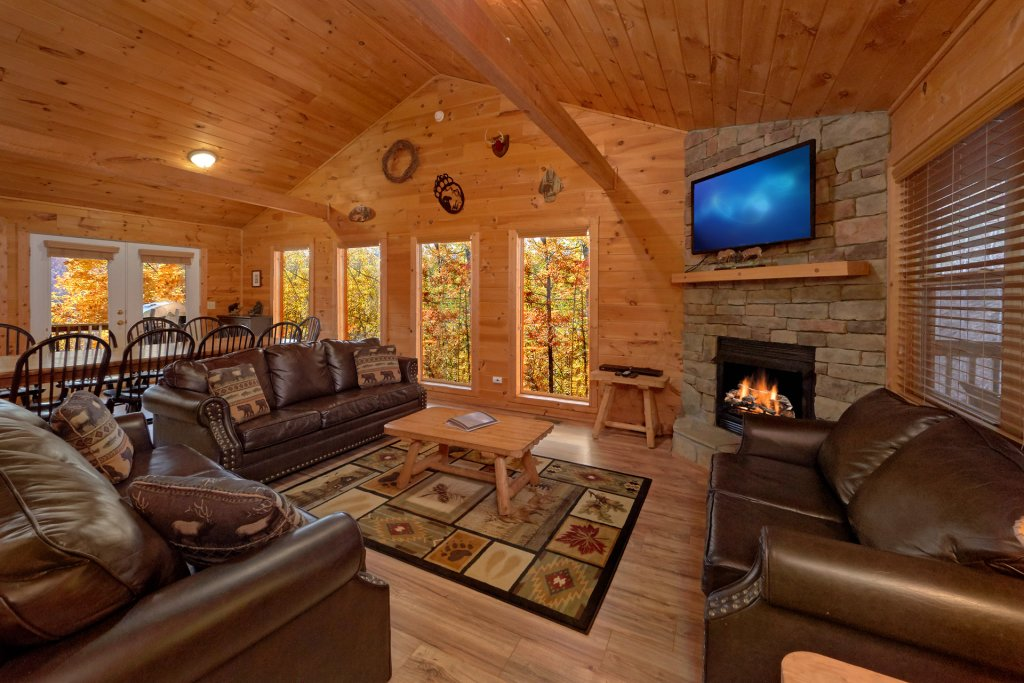Photo of a Sevierville Cabin named Big Pine Lodge - This is the sixteenth photo in the set.