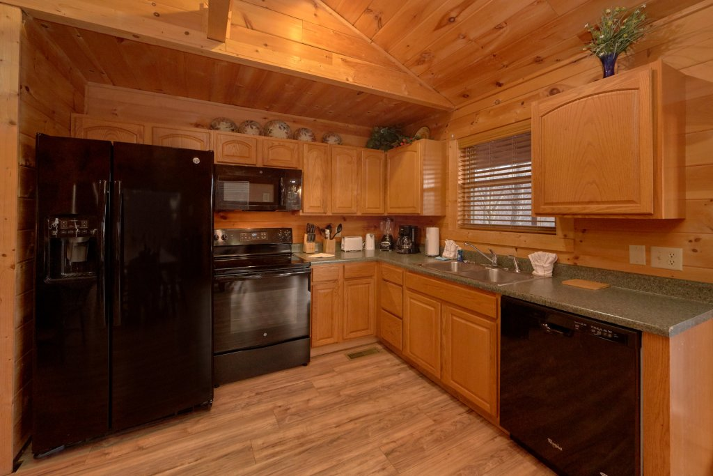 Photo of a Sevierville Cabin named Big Pine Lodge - This is the twentieth photo in the set.