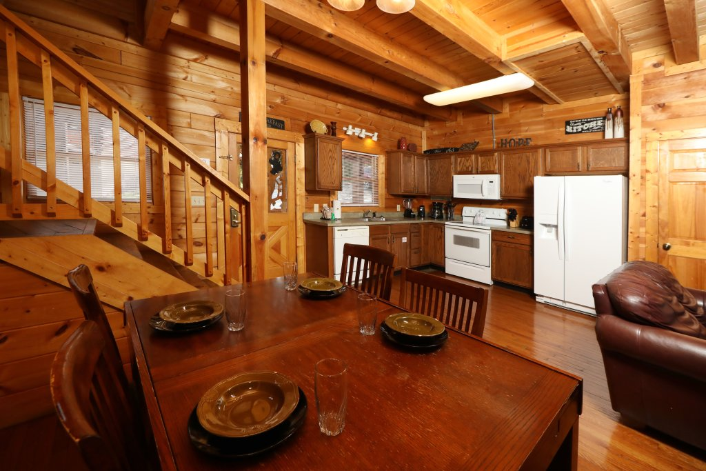 Photo of a Pigeon Forge Cabin named Big Pine Lodge - This is the thirty-sixth photo in the set.