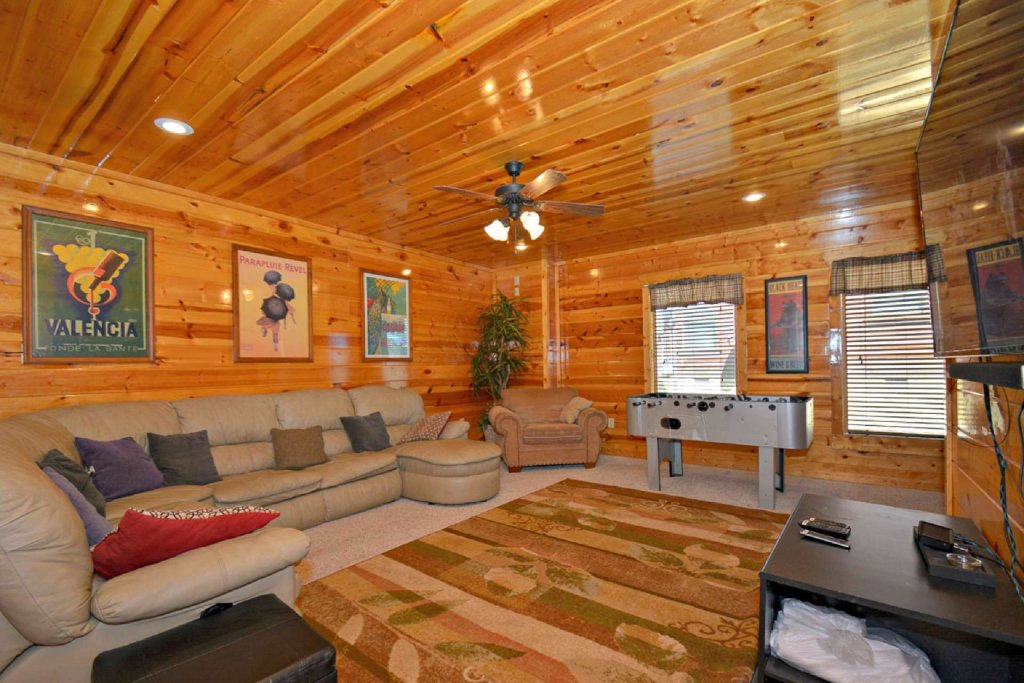 Photo of a Pigeon Forge Cabin named Bearadise - This is the eighteenth photo in the set.