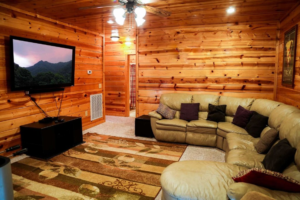 Photo of a Pigeon Forge Cabin named Bearadise - This is the twentieth photo in the set.