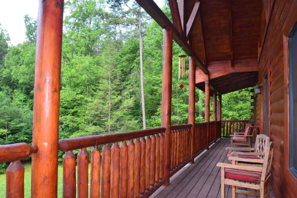 Photo of a Sevierville Cabin named Kozy Lodge - This is the fourth photo in the set.