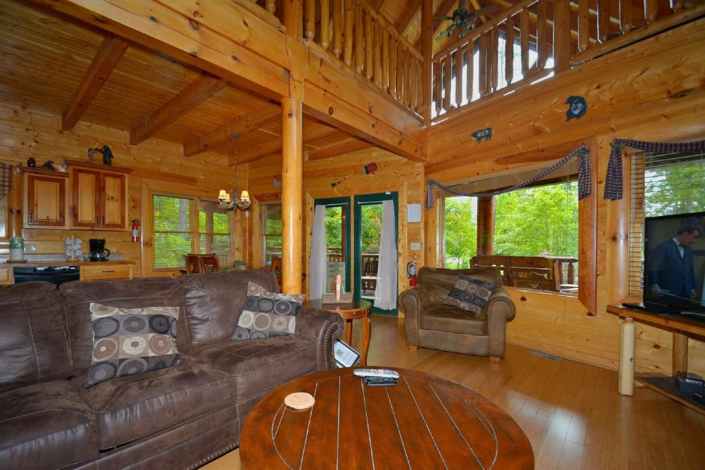 Photo of a Sevierville Cabin named Kozy Lodge - This is the twentieth photo in the set.