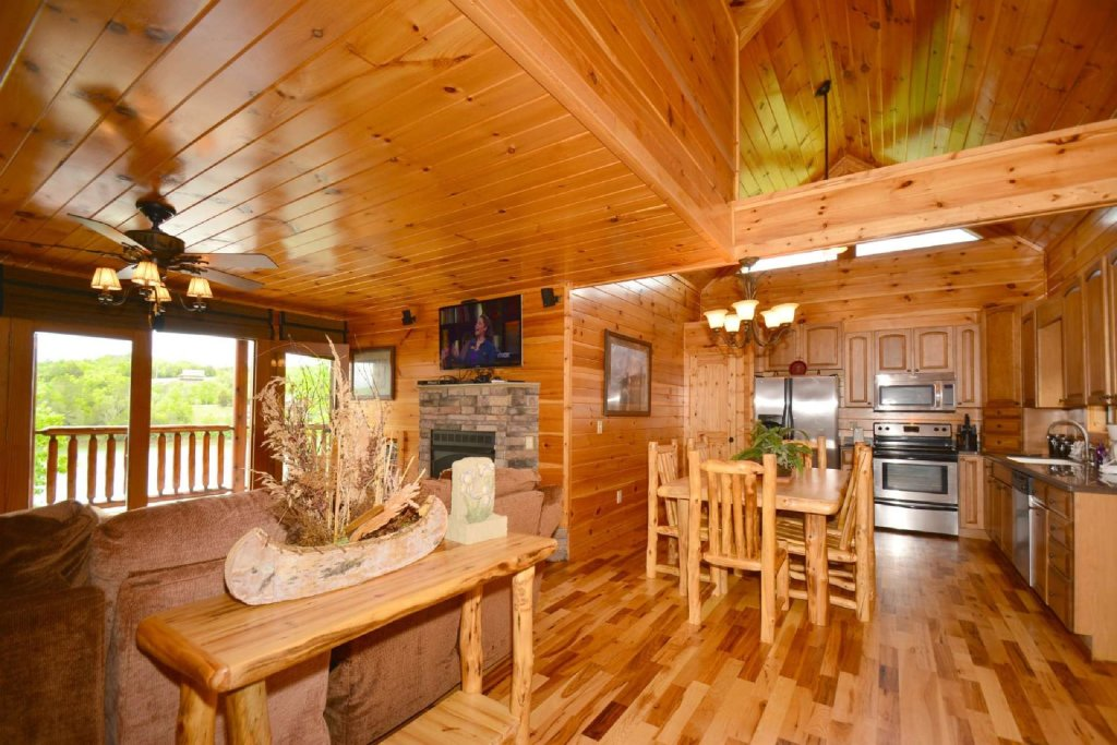 Photo of a Sevierville Cabin named Lakeside And Lovin It - This is the tenth photo in the set.