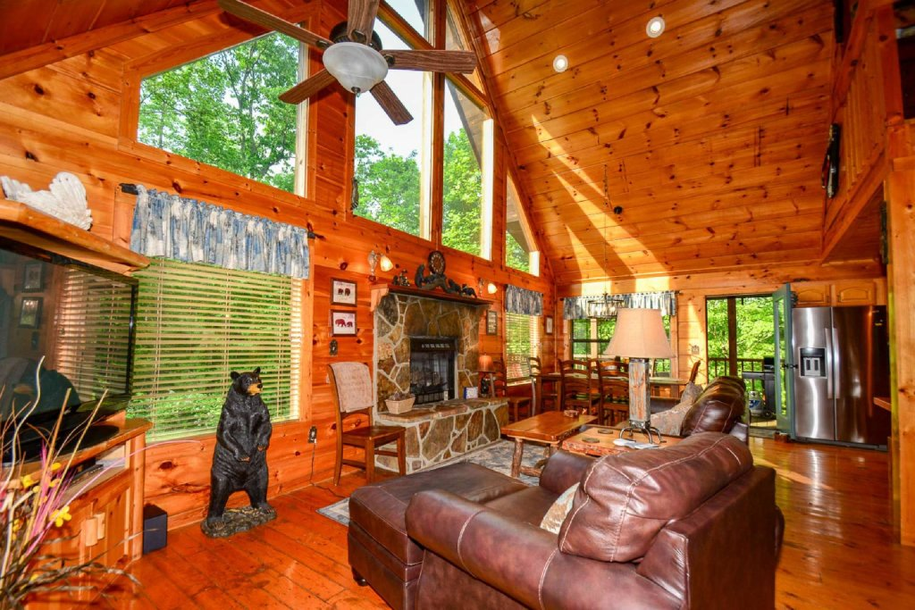 Photo of a Pigeon Forge Cabin named Dogwood Ridge - This is the sixth photo in the set.
