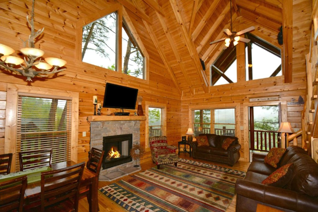 Photo of a Pigeon Forge Cabin named Smoky Mountain Haven - This is the second photo in the set.