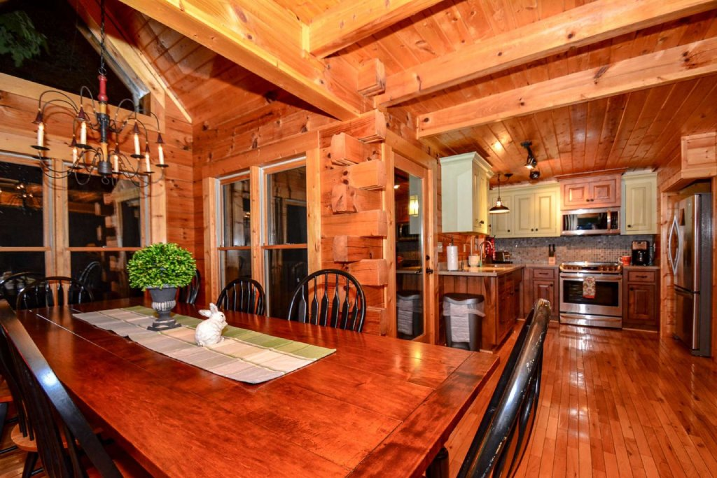 Photo of a Sevierville Cabin named Mountain Splendor - This is the fourth photo in the set.