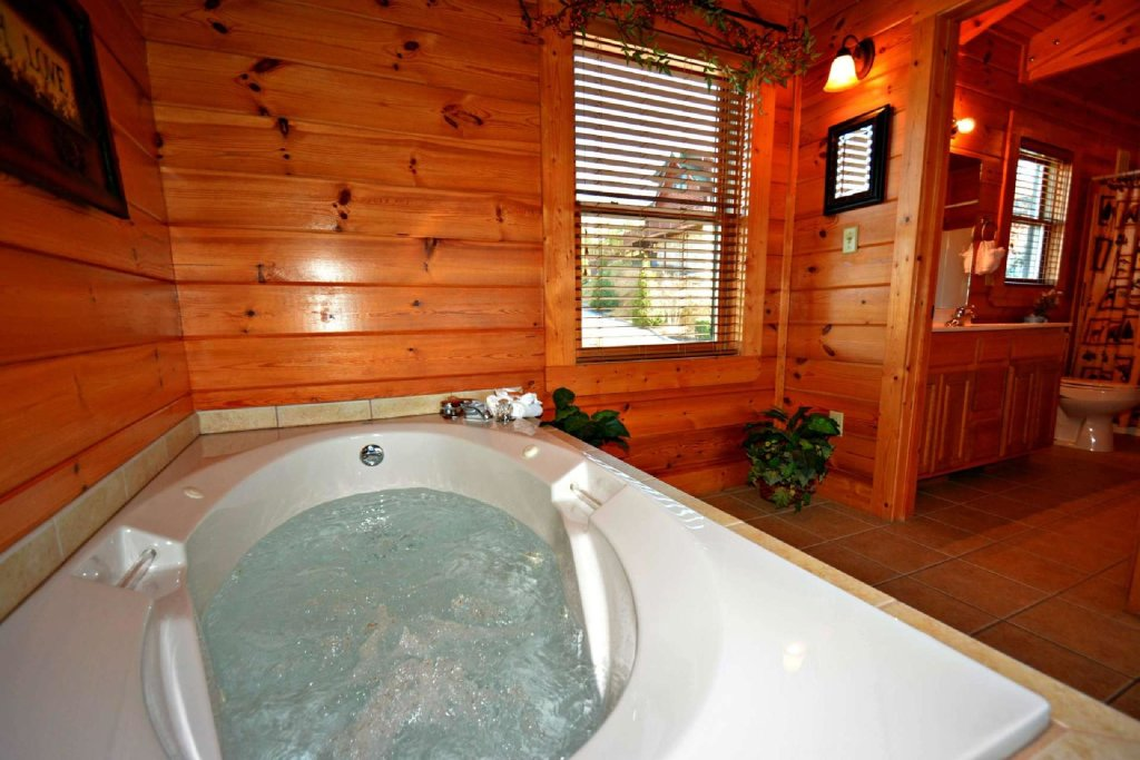 Photo of a Pigeon Forge Cabin named Smoky Mountain Haven - This is the fourteenth photo in the set.