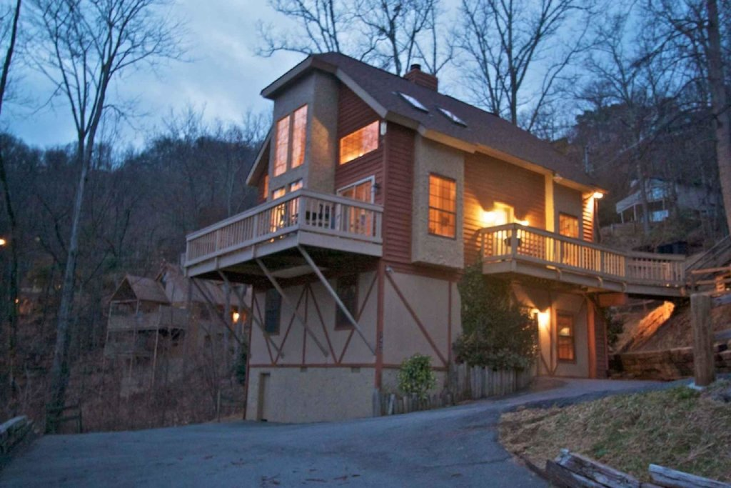 Photo of a Gatlinburg Cabin named Firefly Chalet - This is the first photo in the set.
