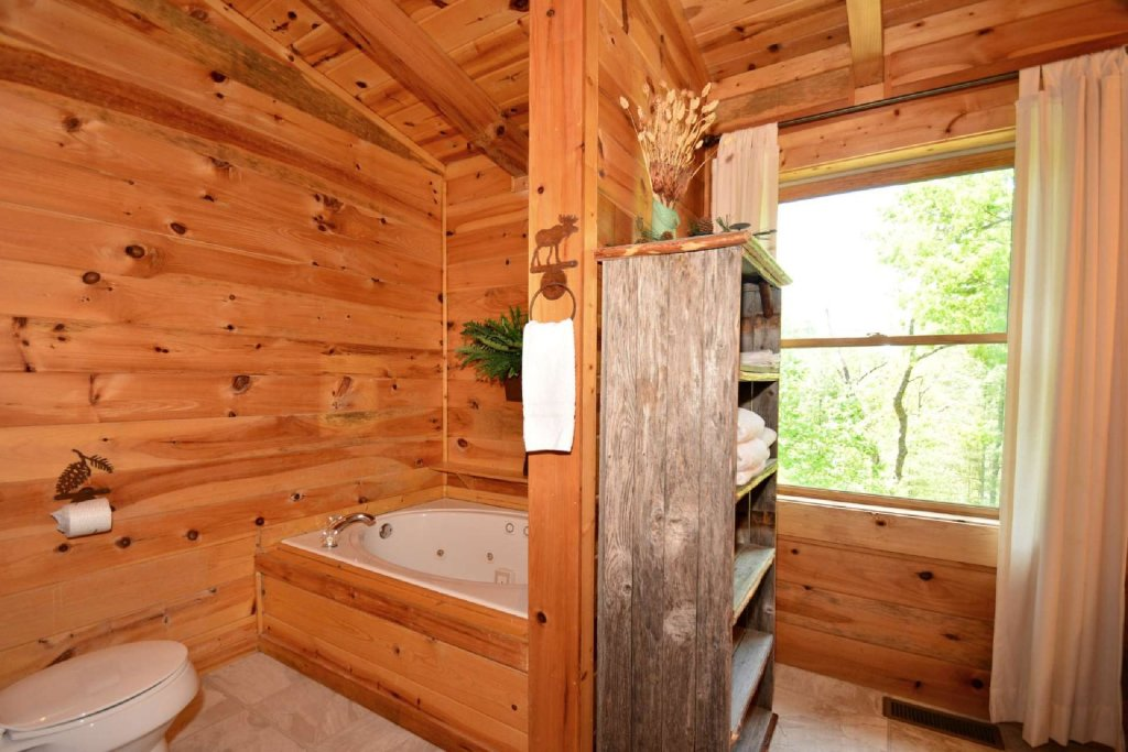 Photo of a Pigeon Forge Cabin named Haley's Hideaway Homestead - This is the sixth photo in the set.