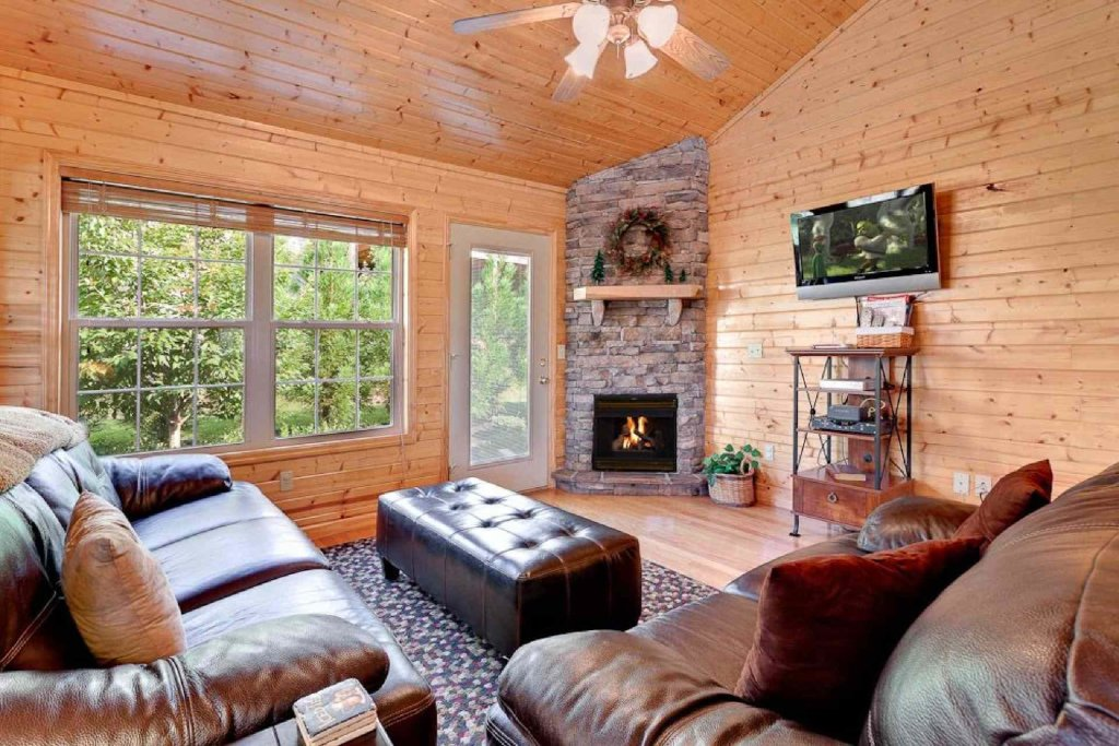 Photo of a Pigeon Forge Cabin named Cajun Cabin - This is the eighth photo in the set.