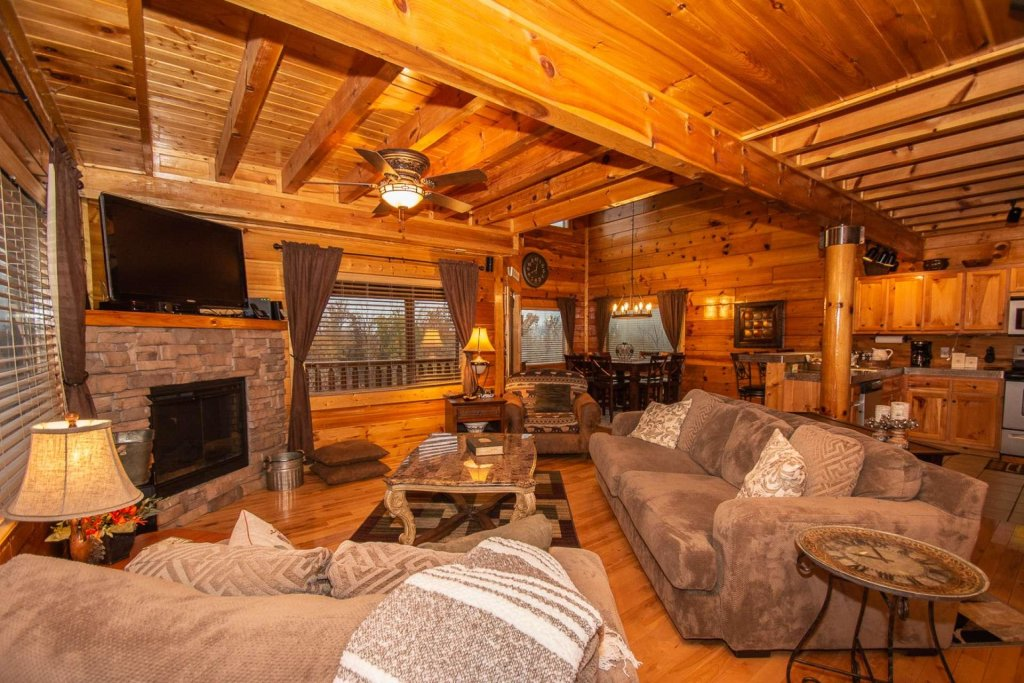 Photo of a Sevierville Cabin named A Bear's-eye View - This is the sixth photo in the set.