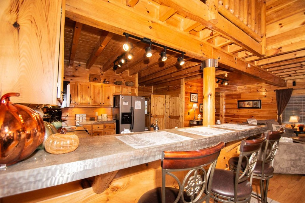 Photo of a Sevierville Cabin named A Bear's-eye View - This is the seventeenth photo in the set.