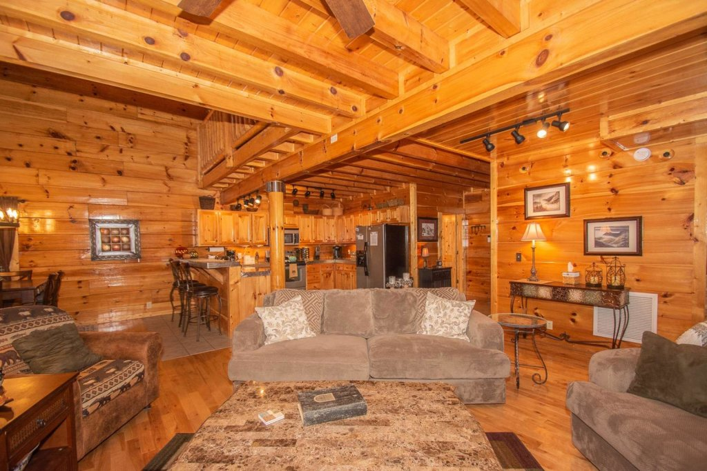 Photo of a Sevierville Cabin named A Bear's-eye View - This is the fourth photo in the set.